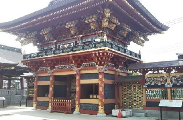 大杉神社 麒麟門