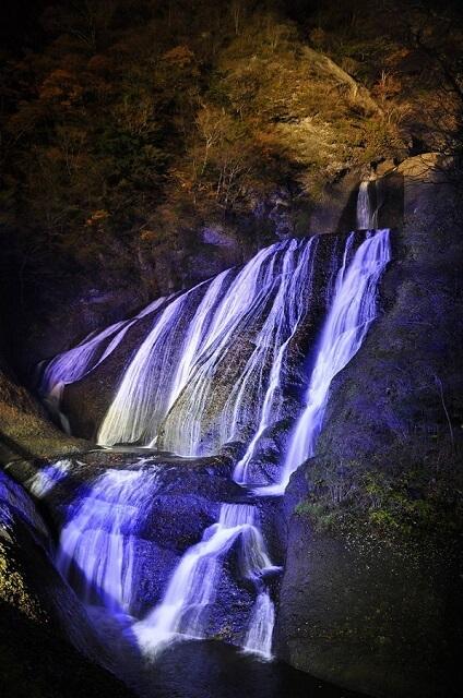 袋田の滝 ライトアップ 冬