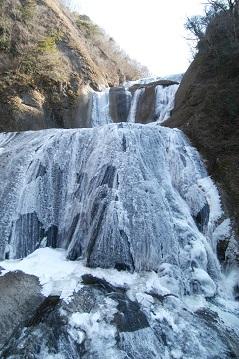 袋田の滝 凍結 駐車場