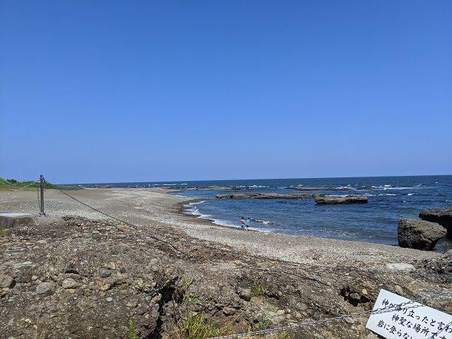神磯の鳥居 周辺の海岸
