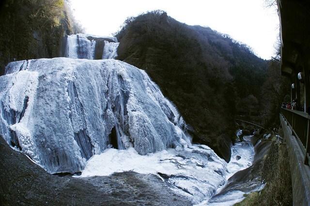 袋田の滝 冬 凍結