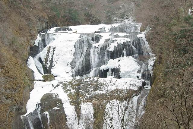 袋田の滝 冬 凍結 上から