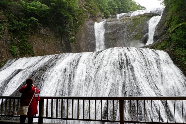 上小川キャンプ場 周辺 袋田の滝