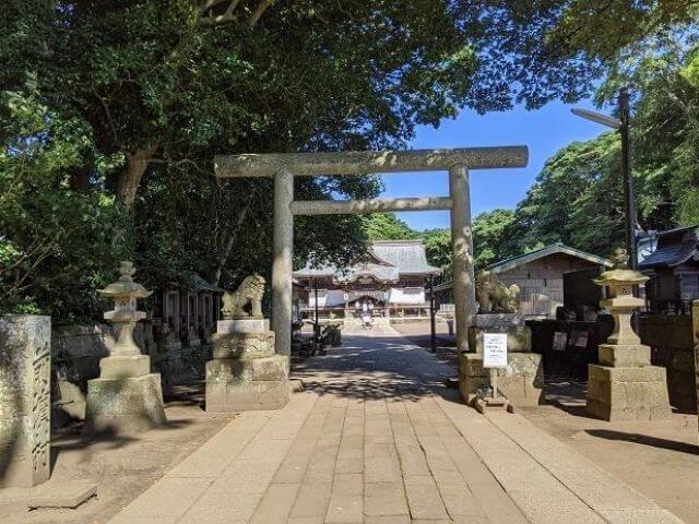 酒列磯前神社 二の鳥居 参道 狛犬