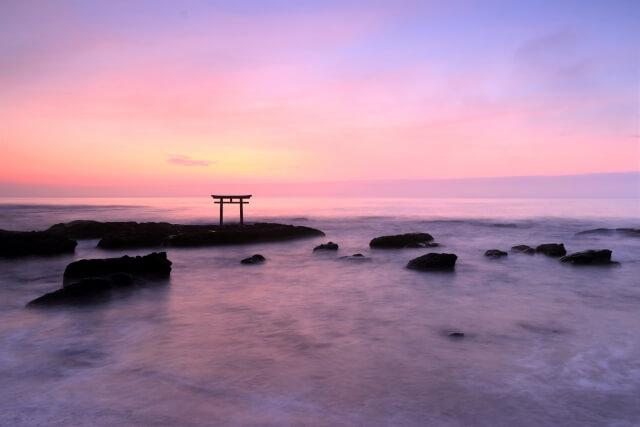 大洗海水浴場 夕方 写真 神磯の鳥居