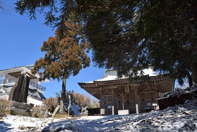 八溝山 登山 紅葉 山頂の八溝嶺神社