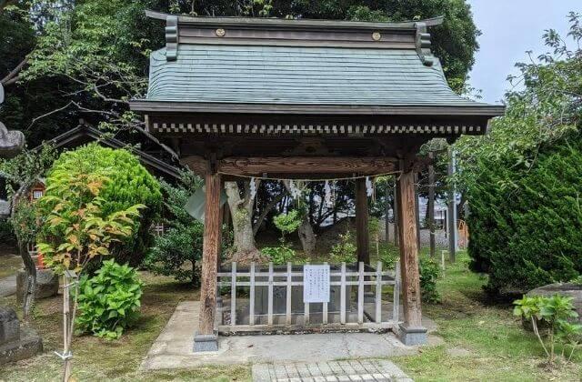 吉田神社の手水舎 境内 水戸市
