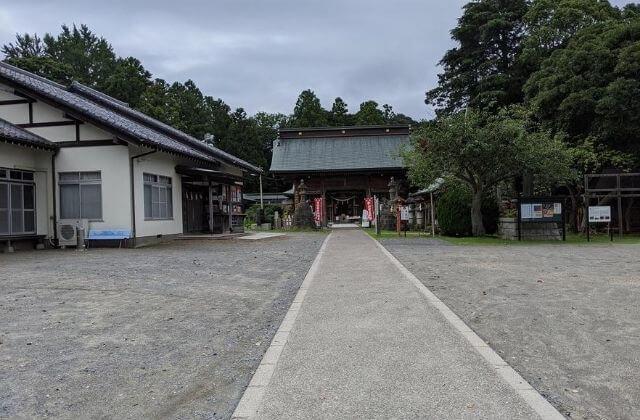 茨城県水戸市 吉田神社 境内の駐車場