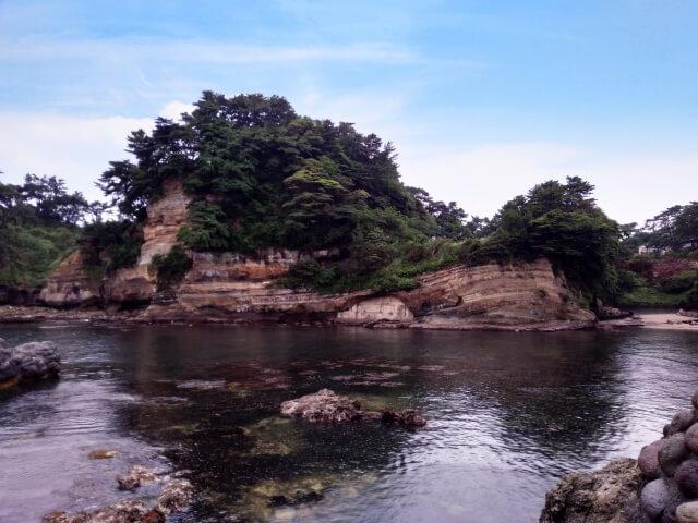 五浦海岸 六角堂 入江 岸壁