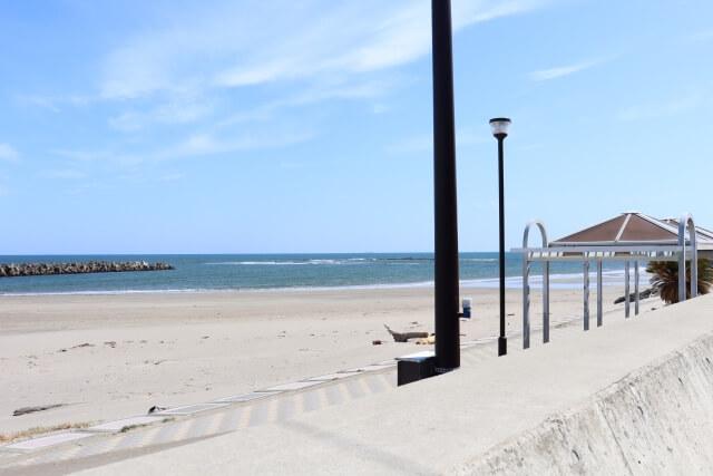 河原子海水浴場 海開き 浜辺
