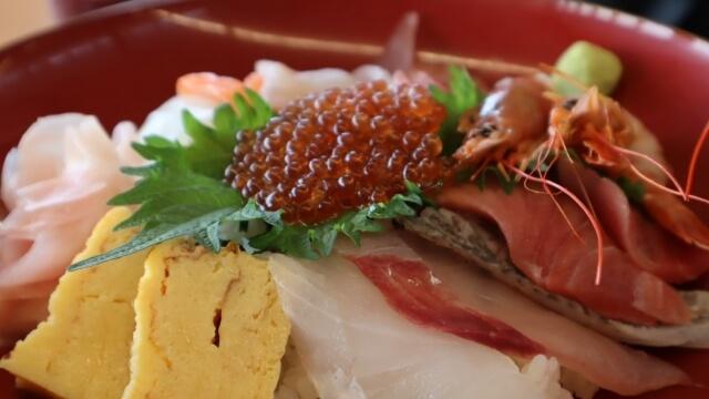 大津港 食堂 ランチ 海鮮丼
